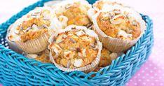Lättbakade muffins med morötter och ost, perfekta till mellanmålet eller i picknickkorgen.