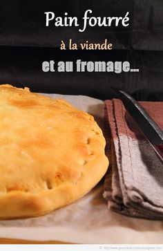 pain fourré à la viande ( pate magique voir recette sucrée 3 steacks hachés oignon mozarella )