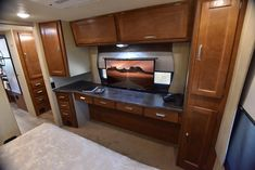 The Lance 2465 Travel Trailer comes with plenty of storage in the bedroom for all of your traveling needs! Camper Life, Truck Camper, Lance Campers, New Travel, New Homes, Kitchen Appliances, Travel Trailers, Canning, Traveling
