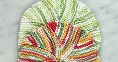 Photos above © Twisted What beautiful knitting dishcloth pattern! I found it on Ravelry. This classic pattern is a great way to lear. Dishcloth Knitting Patterns, Crochet Dishcloths, Crochet Slippers, Crochet Hats, Chrochet, Knit Crochet, Finger Knitting, Free Knitting, Quilt Patterns