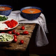 Gazpacho,tomatoe soup 🍅🍅---Mesa lista,venga que ya va siendo hora de cenar #foodporn