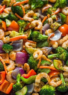 Quick and healthy oven roasted shrimp and veggies done in one pan in under 20 minutes, plus it's under 200 calories per serving! Baked Shrimp Recipes, Fish Recipes, Veggie Recipes, Seafood Recipes, Cooking Recipes, Healthy Recipes, Shrimp Meals, Roasted Vegetable Recipes, Clean Dinners