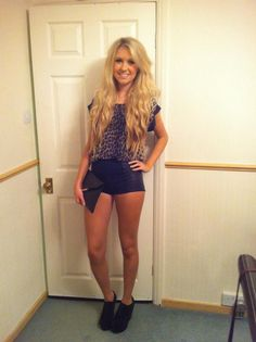 cute club outfit. If only a could wear tiny shorts