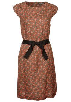 Etui-Kleid von Tonala für 75€!