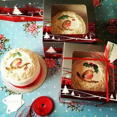 Hand painted Christmas fruitcakes by Diamond Tiers
