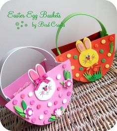 Bird's Party Blog: NO-Sew, Express Baskets for your Easter Egg Hunt! Made out of foam sheets! Cute