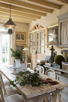 French Country Dining Room, French Kitchen Decor, French Country Kitchens, French Country Farmhouse, French Country Style, Farmhouse Kitchen Decor, French Decor, French Country Decorating, Country Living