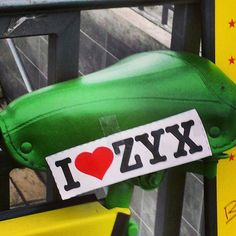Mobil mit ZYX