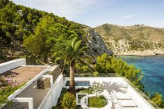 French Firm Pascal Cheikh Djavadi Designs a Luxurious Home in Ibiza, Spain