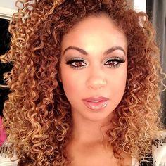 I most def did not wake up like disss.. But it was keeeewtt #mua #beat #beatface #hair #curls #naturalhair #naturalhairdaily #hairstories #okrr #makeup #curlyhair #curlyhairkillas