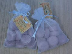 Sabonetes aromatizados pequenos em vários formatos e aromas. Embalagem feita de tule em diversas cores. Consulte o vendedor  Lembre-se que o valor do frete é o mesmo para um ou mais produtos. R$4,00