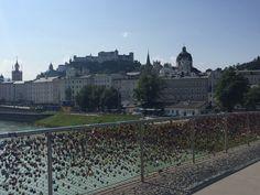 Bro med tusentals hänglås, Salzburg.