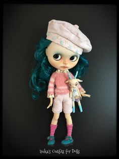 This Listing includes: Hat pink velvet with embroidery. Knit pink wool yarn striped collar and cuffs applied, printed cotton. Shorts in pink velvet with pockets. Short socks with stripes.  Is not included: Doll Shoes Small deer (https://www.etsy.com/it/shop/lilliputcircusmanu?ref=search_shop_redirect)  This is a creation made by hand. No refund is payable.