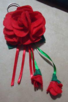 Chaveiro de flor vermelho
