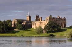 The ruins of Linlithgow Palace are situated in the town of Linlithgow, West Lothian, Scotland, 15 miles km) west of Edinburgh. Mary Queen Of Scots, Scotland Castles, Scottish Castles, Inverness, Maria Stuart, James Stuart, Art Chanel, Lago Ness, Stirling Castle