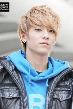 L.Joe (Teen Top) <3 In this picture, he looks like the anime character Masaomi Kida from Durarara!!