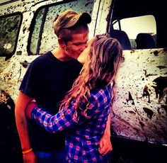 Why can't I have a cute relationship like this?!