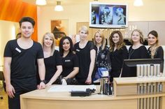 Lehrlinge an die Macht! Bei Bundy Bundy managen die Lehrlinge eine Woche lang den Salonbetrieb und dürfen ihr Können beweisen... 2015 Hairstyles, Salons, Career, Hair Beauty, Google, Pictures, Hair Stylists, Lounges, Carrera