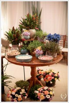 www.guianoivaonline.com.br Fotografia: DG Casamento | Decoração e cadeiras: C'est Si Bon Decor | DJ: F3 Entretenimento | Orquestra: Coral Del Chiaro | Buffet: Artesanal Eventos