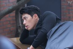 Behind-the-scenes of Hyun Bin's photoshoot with 'Esquire' Korea Lee Hyun, Hyun Bin, Hot Korean Guys, Soul Songs, Happy Pills, Asian Celebrities, Actor Model, Esquire, Lee Min Ho