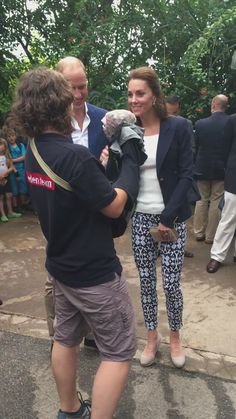 """Emily Andrews on Twitter: """"Kate & William meet a baby dinosaur (T Rex we think!)"""