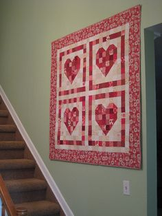 Heart Quilt. Get FREE quilt patterns now. http://onlinequiltingclassesmembership.ning.com/