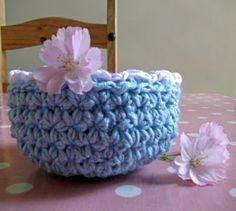 how to crochet big stitch bowl tutorial Julia Crossland Art - colourful art, colourful life