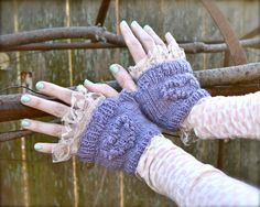 Another free knitting pattern for handspun yarn... I love these!