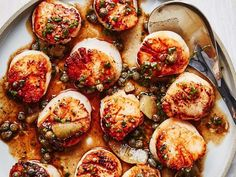30 Scallop Recipes That Are Restaurant Quality   News Break Antipasto, Seafood Recipes, Cooking Recipes, Dinner Recipes, Cooking Courses, Dinner Ideas, Epicurious Recipes, Yummy Recipes, Shellfish Recipes