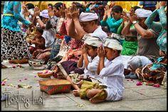 Bali village pray yoga retreat