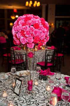 nice option for centerpiece, but with yellow carnations.