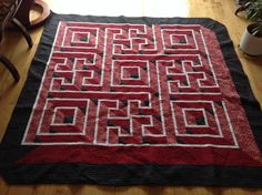 Labyrinth Walk Quilt Pattern Free | Thread: Labyrinth Walk - this was tough for me!