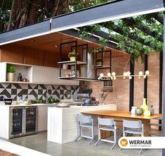 Com uma iluminação natural, além de economizar, deixa o ambiente mais agradável. Já pensou em como sua área gourmet pode ficar tão linda como essa? Cada revestimento, piso e acessórios, você encontra na Wermar!