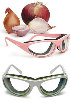 RSVP Onion Goggles Tear Free Slicing Cutting Chopping Mincing Onion Goggles | The ideal gift for budding chefs, kitchen connoisseurs, busy Mom's and anyone else who spends time in the kitchen on cooking duty. Comfortable, foam seal protects eyes from irritating onion vapours. Anti-fog lenses offer maximum clarity and eye protection. Unisex design fits all shape faces. Comes complete with storage case.""