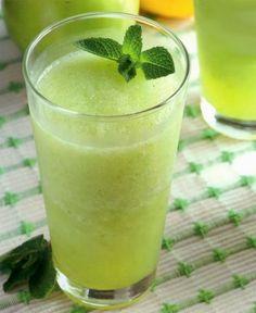 Fuente: lacocinadevicky.es   Un granizado que nos llevará hacerlo cinco minutos:   2 manzanas verdes (con piel y sin semillas)  2 limones ...
