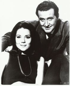 The Avengers Patrick Macnee Diana Rigg Together All Smiles 8 x 10 Photo