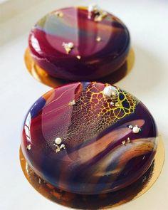 Artistic Desserts by Ksenia Nohryna - Cake - Tartes Unique Desserts, Creative Desserts, Beautiful Desserts, Gorgeous Cakes, Pretty Cakes, Creative Cakes, Amazing Cakes, Mirror Glaze Cake, Mirror Cakes