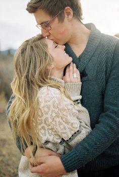 Snuggle Up | Engagement Photo Idea [ ItsMyMitzvah.com ] #wedding #celebrate #personalized