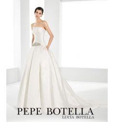 Pepe Botella, vestido de novia en brocado escote palabra de honor y corte a la cadera