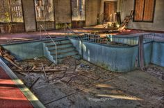 abandoned pools | Flickr: Discussing Abandoned swimming pools in Abandoned