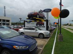 Auto Rotating Display - vehicle ramp rotation in AutoNation Ford Dealership on Houston.