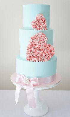 Eye-Catching Wedding Cake Inspiration. To see more: http://www.modwedding.com/2014/07/02/eye-catching-wedding-cake-inspiration-2/ #wedding #weddings #wedding_cake Featured Wedding Cake: Cakes 2 Cupcakes
