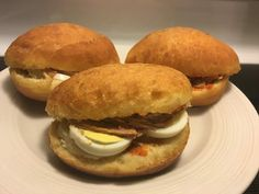 Fricassés (sandwichs tunisiens frits)