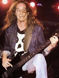 Cliff Burton Jason Newsted, Cliff Burton, Robert Trujillo, James Hetfield, Metallica Live, Metallica Band, Jim Morrison Movie, Jazz, Heavy Metal Music