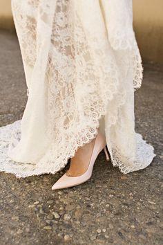 Rustic Romantic Wedding Inspiration Pink Wedding Theme, Wedding Shoot, Dream Wedding, Wedding Ideas, Chic Wedding, Wedding Locations, Wedding Venues, Belle Bridal, Romantic Wedding Inspiration