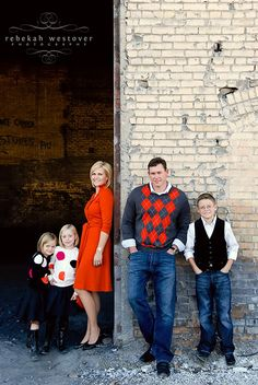 Family Pose, Family Outfit Idea