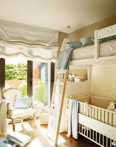 crib + bunk bed in one room. love!