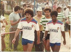 Recreio Desportivo de Agueda-0-Sporting Clube de Portugal-1 ----abril de 1984 com António Jorge e Simão do RDA e Carlos Xavier,Mário Jorge e Kostov do SCP. via Valentim Silva.