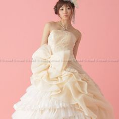 Amazon.co.jp: アイボリーのレースと大きなリボンのロマンティックプリンセスライン ウエディングドレス: 服&ファッション小物通販