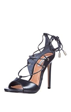Que Perfeição!!   Sandália Salto Alto Amarração  COMPRE AQUI!  http://imaginariodamulher.com.br/look/?go=2cDrUCv